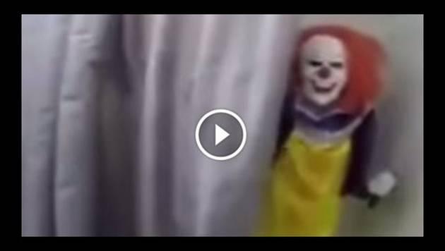 Mujer asusta a su hermano con esta terrorífica broma