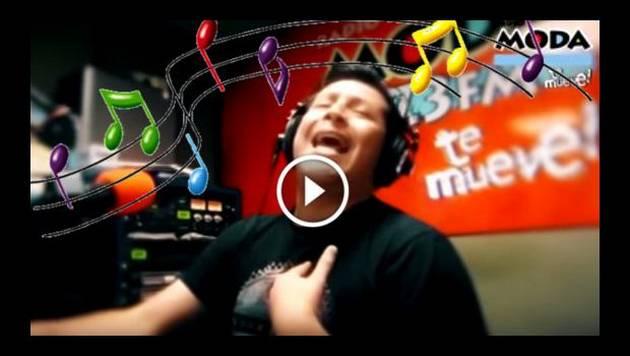 Carloncho cantó unas lentejitas en vivo