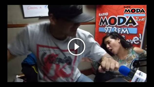Marianita y Renzo se meten un reggaetón intenso en la cabina