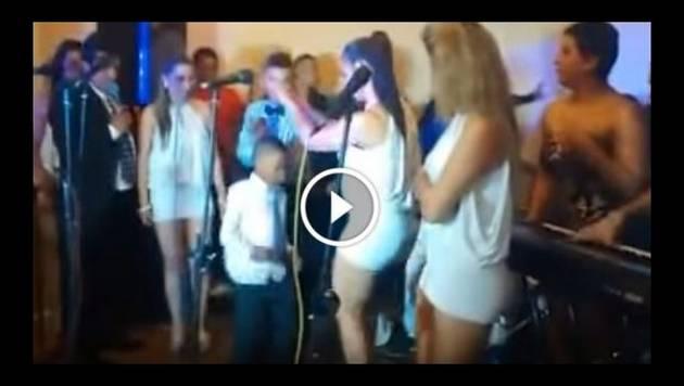 Chibolo la rompe bailando con las chicas de Son Tentación