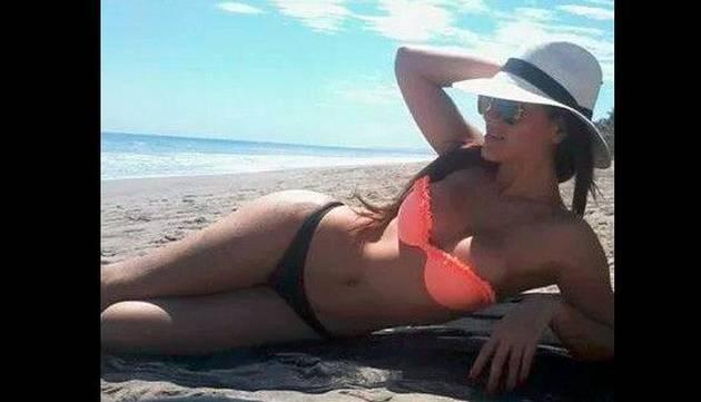 Andrea Cifuentes y sus infartantes fotos en diminuto bikini