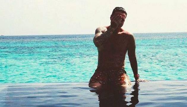 ¡J Balvin disfruta de unas merecidas vacaciones en las Islas Maldivas!