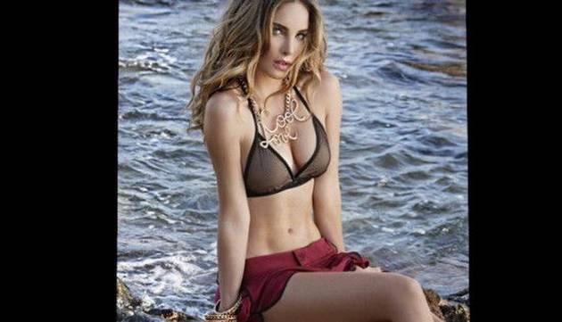 Belinda enciende las redes sociales luciendo sexy bikini
