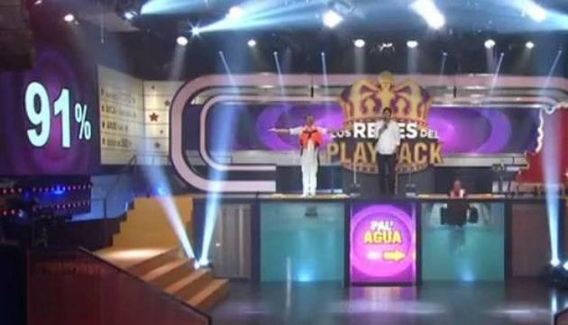 Carloncho es el nuevo rey de Los Reyes del Playback ¡Mira su presentación!