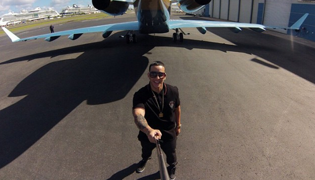 Daddy Yankee canta a todo pulmón una salsa