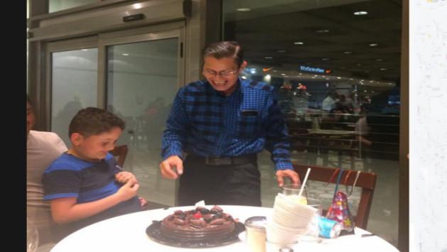Esperaba celebrar su cumpleaños en familia, pero mira lo que pasó [FOTOS]