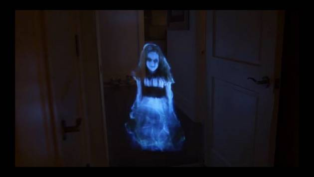 YouTube: asusta a su enamorada con holograma fantasmal