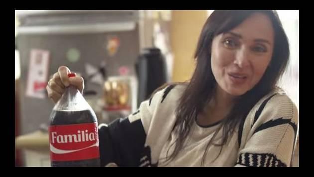 Coca-Colas familiares vienen con etiquetas de 'familia', 'patas', 'compañeros' y 'vecinos'