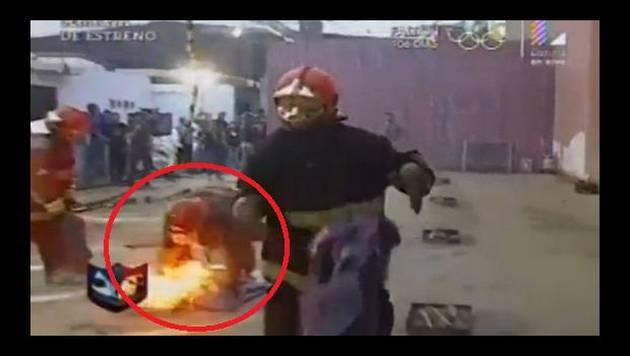 ¡Cuidado! Participante de reality casi se quema durante competencia