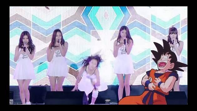 Grupo de K-Pop sufre 6 caídas en concierto en vivo