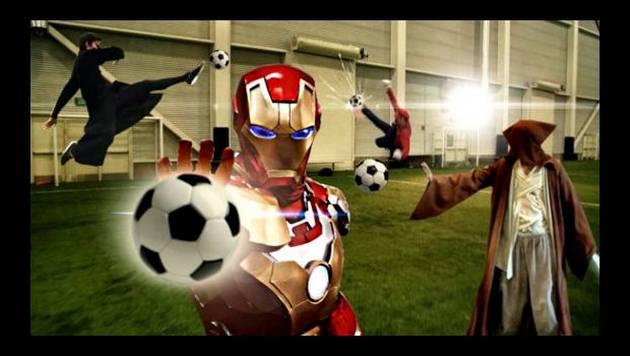 YouTube: ¿qué pasaría si héroes jugaran un partido de fútbol?
