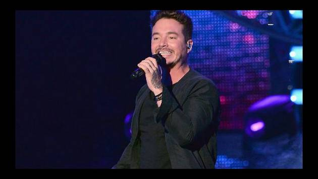 Checa como luce J Balvin con maquillaje [VIDEO]