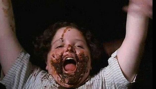 Mira cómo luce hoy el niño que se comió la torta de chocolate en 'Matilda'