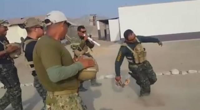 Militar bailando el 'Pío, pío' se convierte en viral