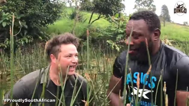 ¡Así fue el encuentro de estos hombres con una serpiente pitón! [VIDEO]