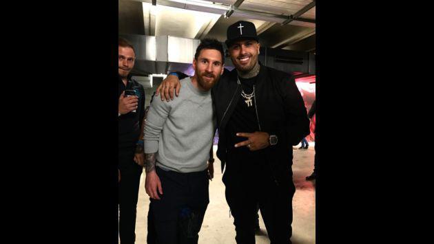 Nicky Jam estuvo en partido del Barcelona y se tomó fotos con estos jugadores