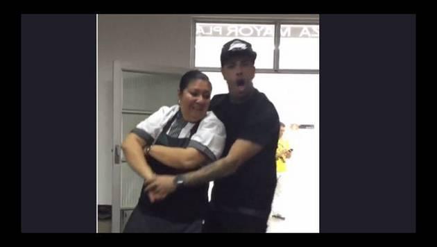 Nicky Jam se perreó a una camarera 'madurita'