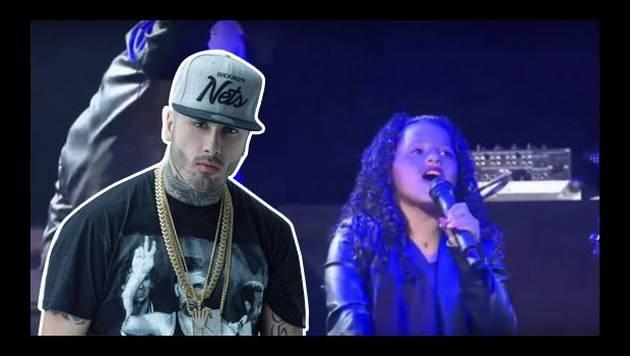 Nicky Jam y su hija cantan juntos en el escenario