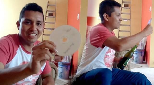 Aprende a abrir una botella de cerveza con un CD [VIDEO]
