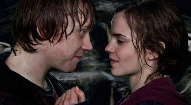 WTF?! Esto fue lo que sintió 'Ron' cuando besó a 'Hermione'