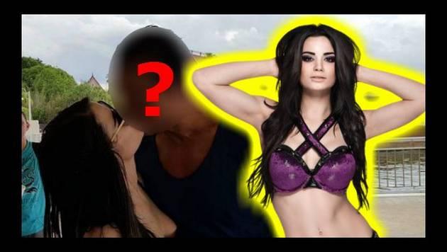 Sorry, fans de WWE. Paige ya tiene dueño y la tiene así