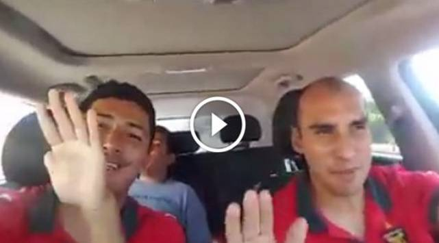 'Churrito' Hinostroza y Rainer Torres bailan 'Picky' antes del Melgar vs. Sporting Cristal