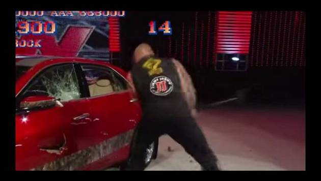YouTube: Brock Lesnar destruye un auto a lo Street Fighter