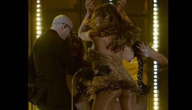 Pitbull y Sofía Vergara calentaron el Grammy 2016 al ritmo de 'El Taxi'