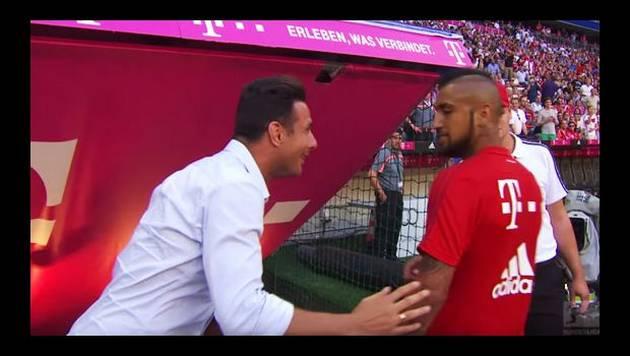 ¿Claudio Pizarro le dio una lección de caballerosidad a Arturo Vidal?
