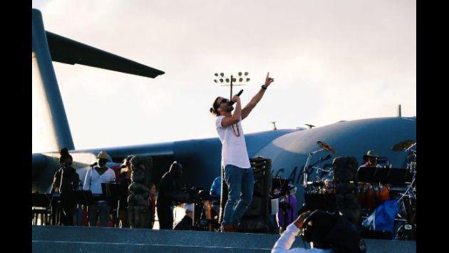 ¡Así fue el evento de Prince Royce junto a 'La Roca'!