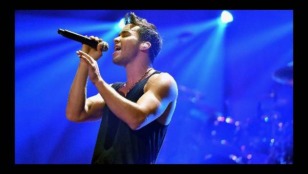 Prince Royce improvisa cover de Boyz II Men [VIDEO]