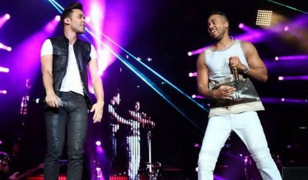 Prince Royce y Romeo Santos cantan juntos