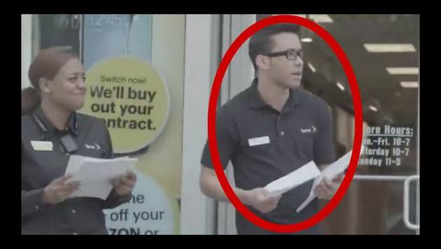 Prince Royce se hizo pasar por vendedor de celulares