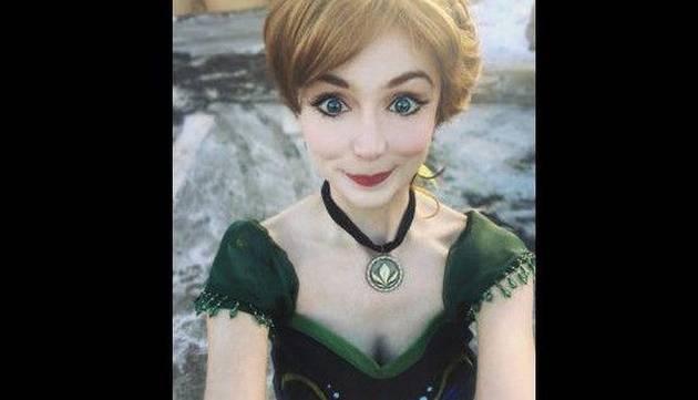 Esta mujer gastó miles de dólares para parecerse a las princesas de Disney ¡Mira cómo quedó!