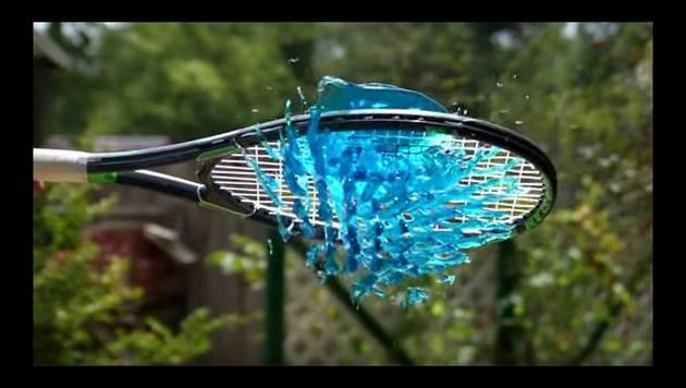 Tennis y gelatina. ¿Cómo se vería este encuentro en slow motion?