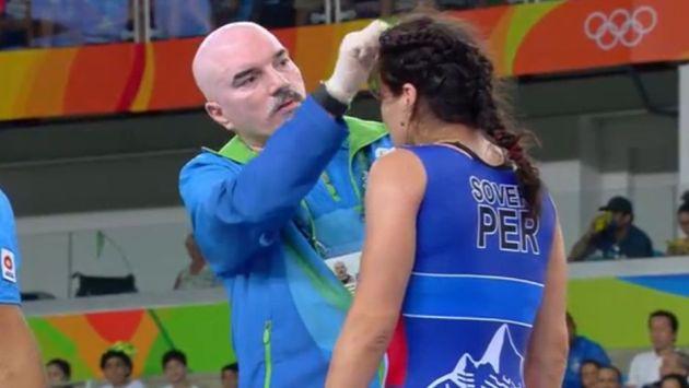 ¡Luchadora peruana terminó con un corte en la frente en Río 2016!