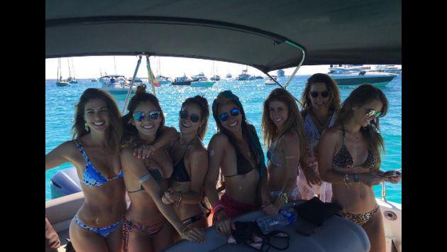¡Stephanie Cayo estuvo en playas de España y compartió sus fotos luciendo un espectacular bikini!