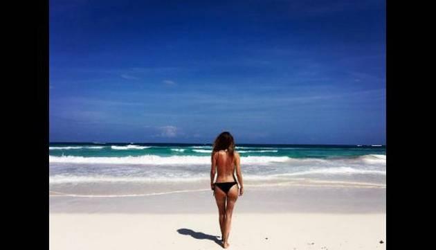 ¡Asuuuuuuuu! ¡Stephanie Cayo sorprende con topless!