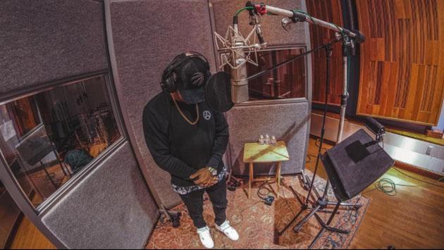 Wisin no sale del estudio hasta acabar su álbum 'Victory' [FOTOS]