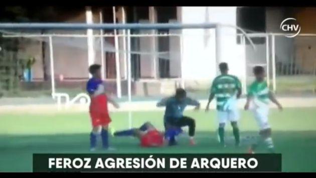 De lo más brutal que verás en YouTube sobre agresiones en partidos de fútbol