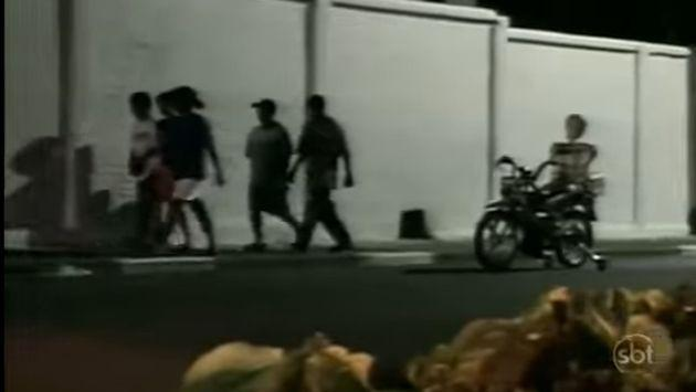 ¡Vacílate con la broma del esqueleto a bordo de una motocicleta! [VIDEO]