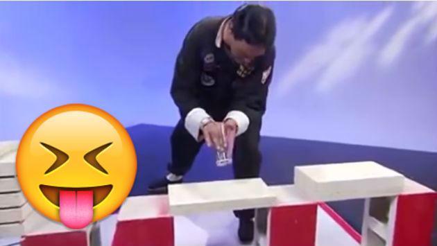 ¡Qué roche! 'Maestro' de artes marciales quedó al descubierto en vivo [VIDEO]