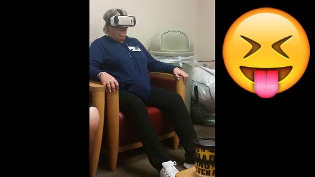 No vas a aguantar la risa al ver la reacción de esta mujer al probar unos lentes de realidad virtual