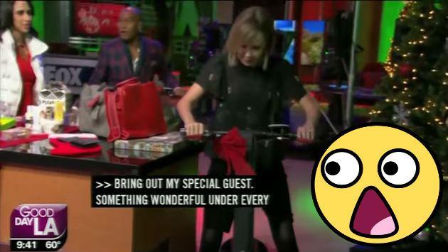 ¡Presentadora de TV pasó roche en vivo al probar su regalo de Navidad!