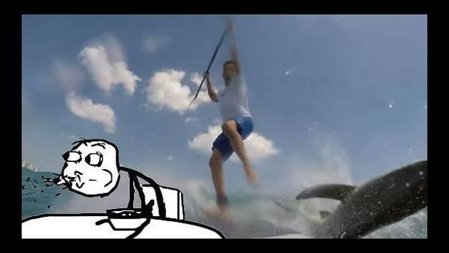 ¡Tiburón sorprendió a surfista en pleno entrenamiento!