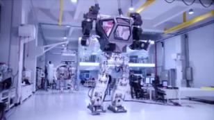 Los robots gigantes operados por hombres, a lo 'Robotech' o 'Gundam Wing', ya son una realidad [VIDEO]