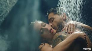 ¡Maluma estrenó 'Felices los 4' con este candente videoclip!