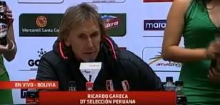 Modelo boliviana interrumpió conferencia de Gareca con este blooper