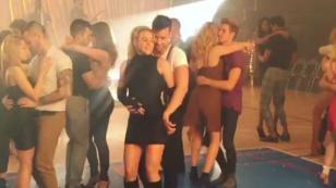 Prince Royce y Shakira bailan bachata por primera vez en este extracto de 'Deja vu' [VIDEO]