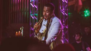 ¡Arrancaron los conciertos 'sorpresa' de Romeo Santos! Mira cómo le fue al 'Rey de la bachata'